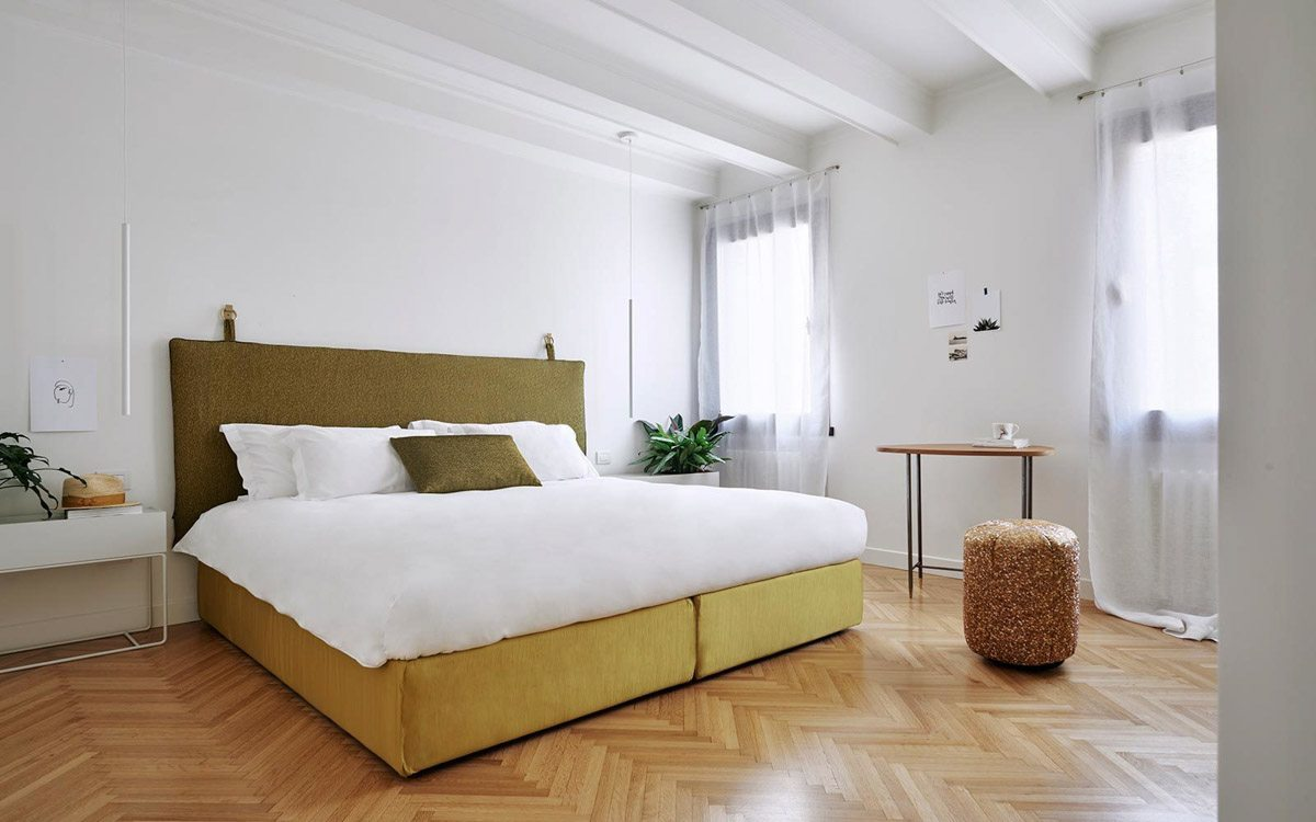 luxury-italian-villas-LIV-Casa-Floris-Bedroom-300201