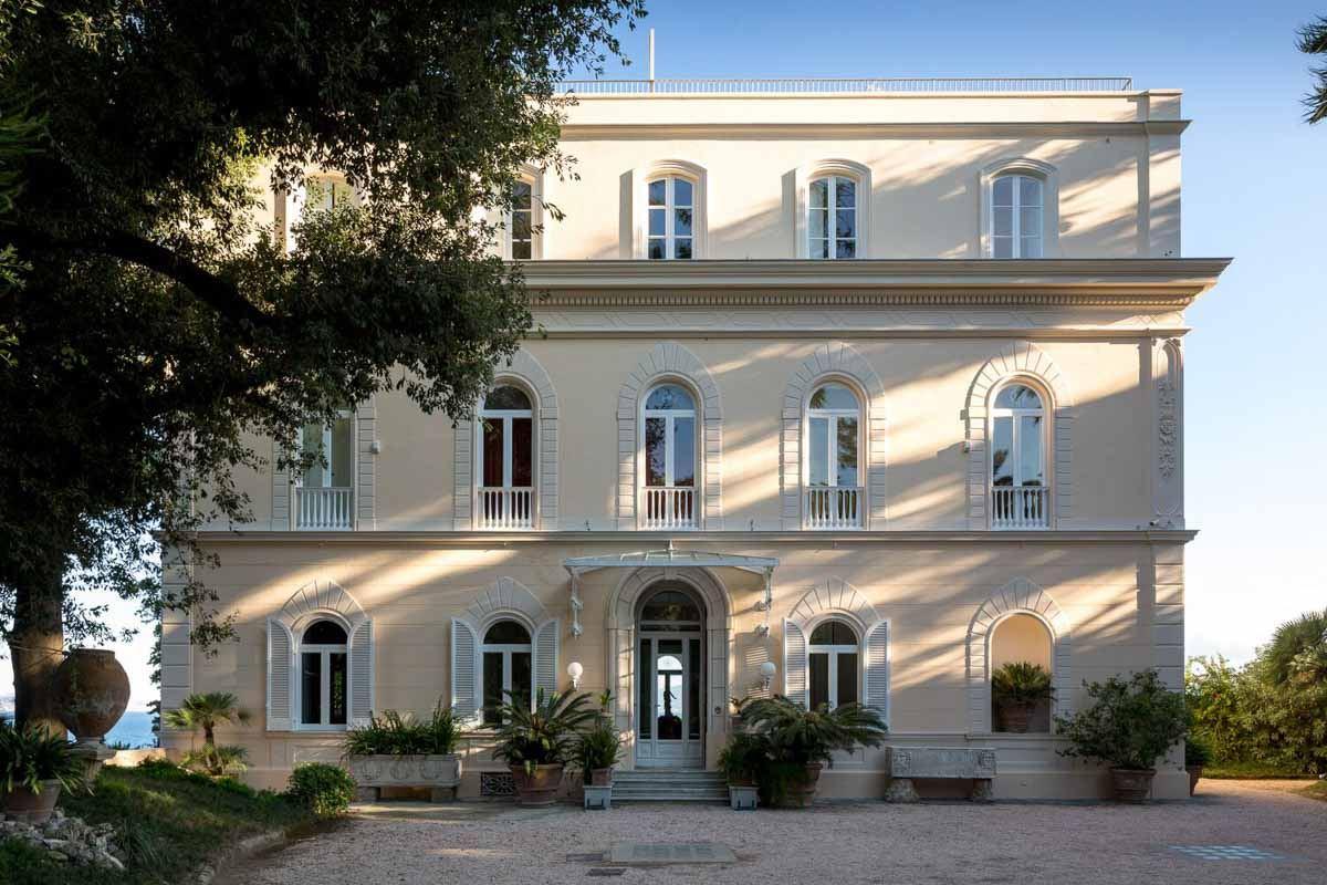 luxury-italian-villas-VillaAstoria100291