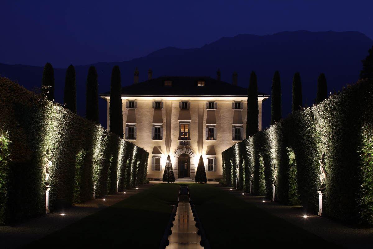 luxury-italian-villas-VillaBalbainoExteriorNight00152