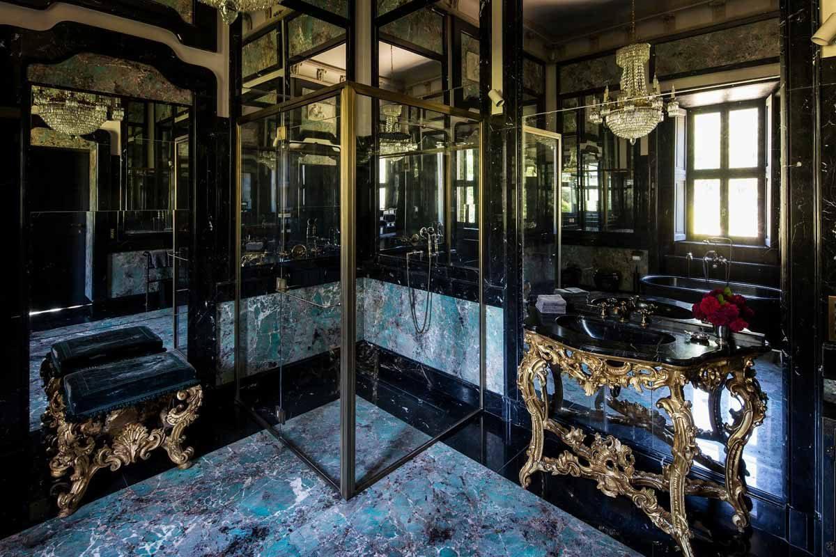 luxury-italian-villas-VillaBalbianoBathroom100185