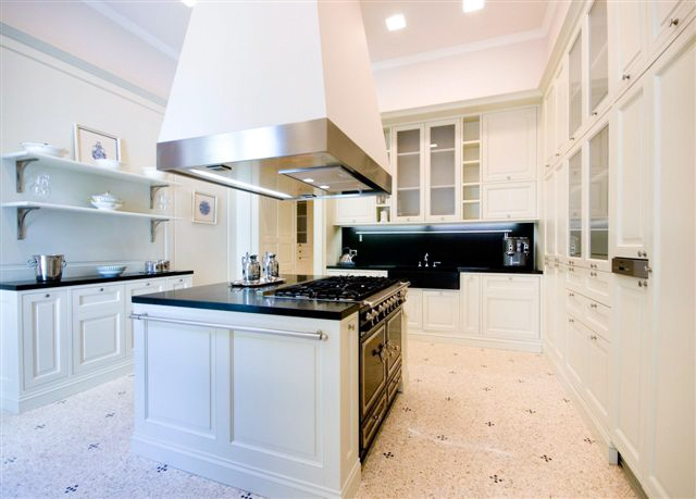 Villa-La-Perla-Kitchen-